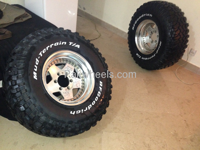 BF Goodrich Mud terrain tyres and Japenese Hollow Alloys Image-1