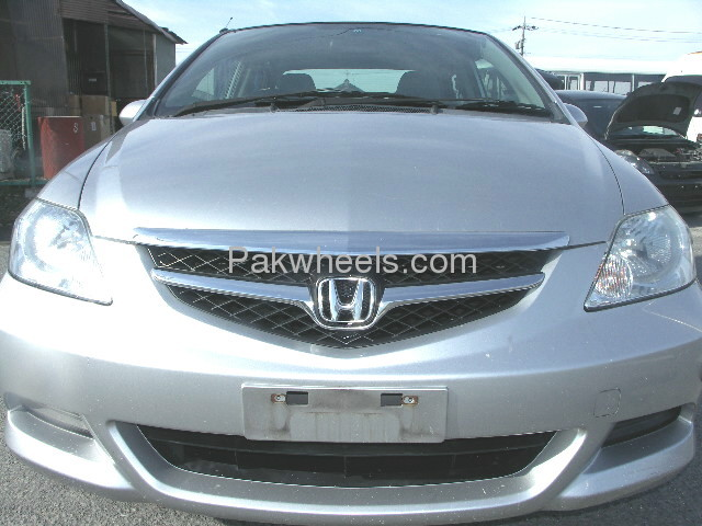 Honda Fit X 2007 Image-2