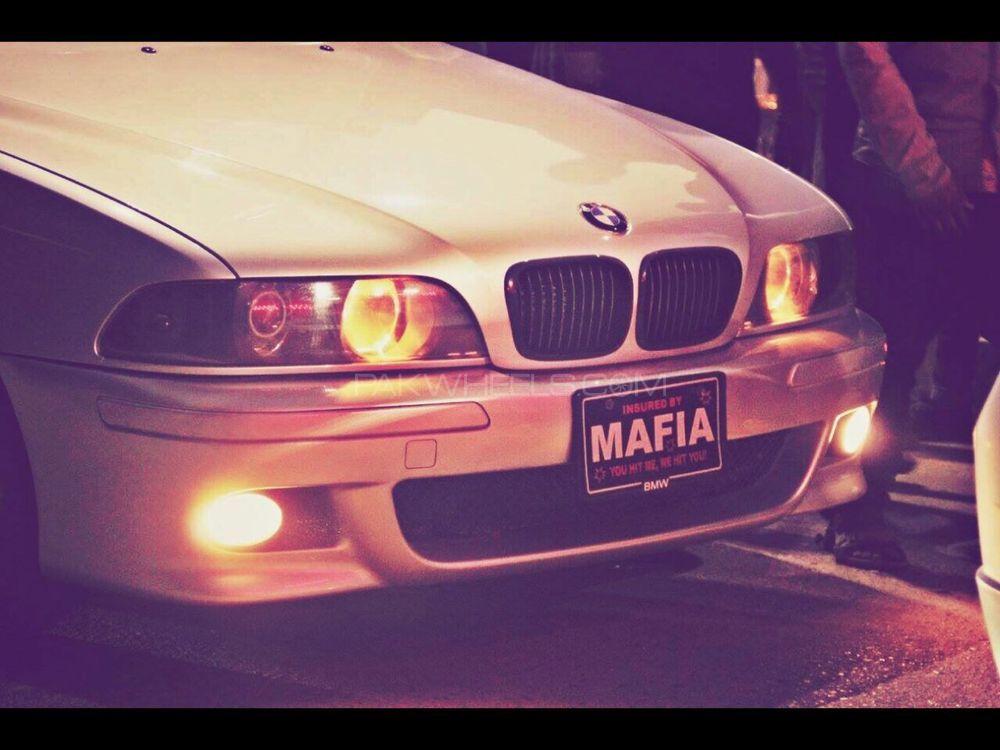 BMW 5 Series 528i 1999 Image-1