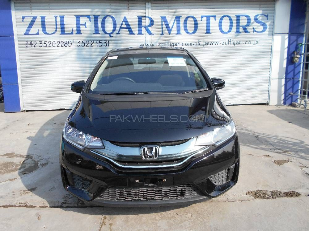 Honda Fit 1.5 Hybrid F Package 2014 Image-1