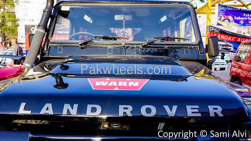 Land Rover Defender 90 SW 2005 Image-1