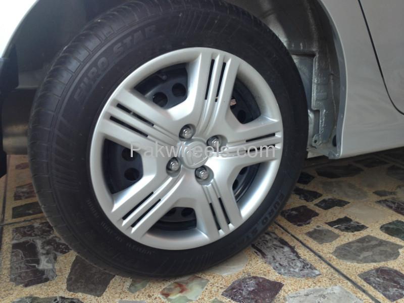 Honda City i-VTEC 2011 Image-8