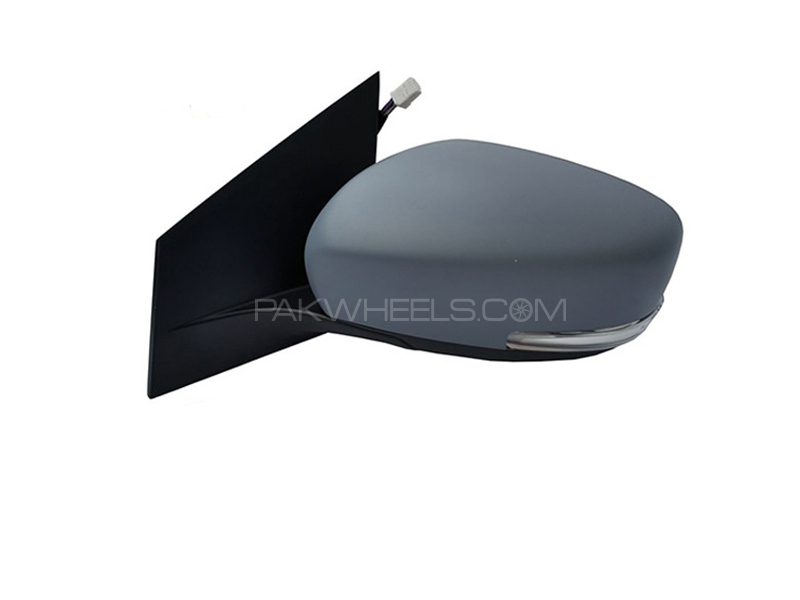 Suzuki Ciaz Genuine Side Mirror RH in Lahore