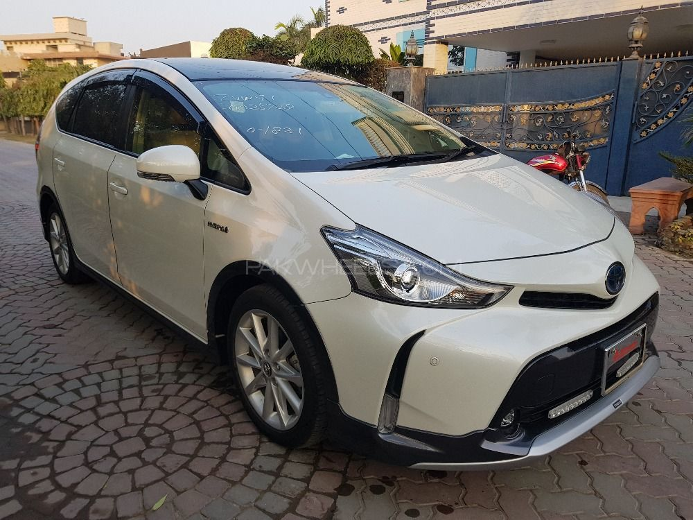 Toyota Prius Alpha S Touring Selection Gr Sport 2015 For