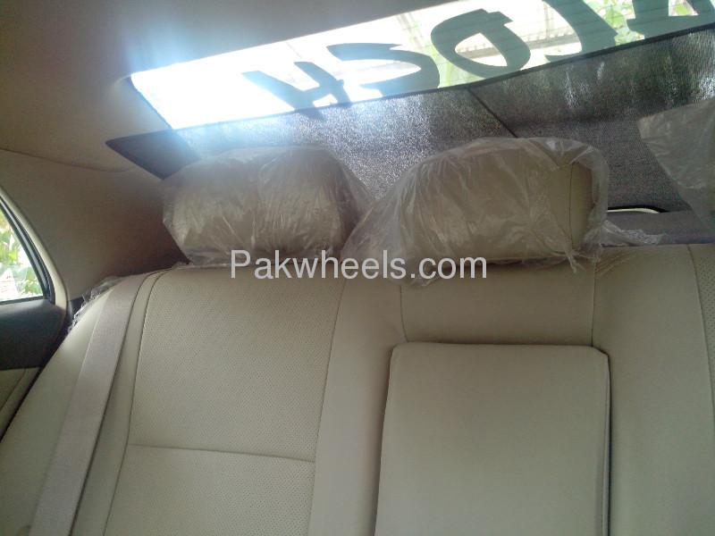Toyota Corolla Altis SR 1.6 2012 Image-3