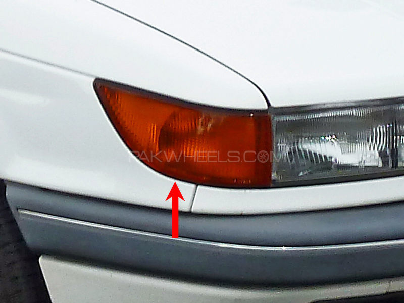 Mitsubishi Lancer Parking Lamp 1992-1995 - 1 Pc RH in Lahore