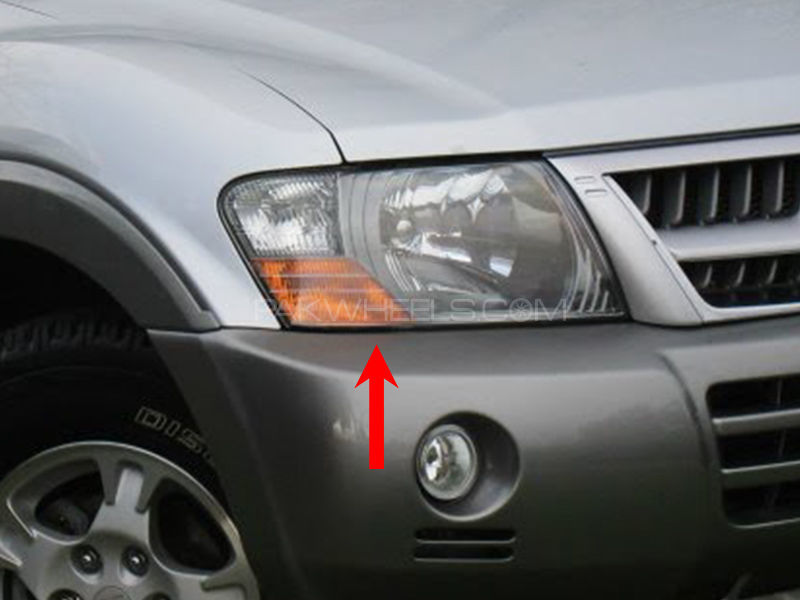 Mitsubishi Pajero TYC Head Lamp 2004 - 1 Pc RH in Lahore