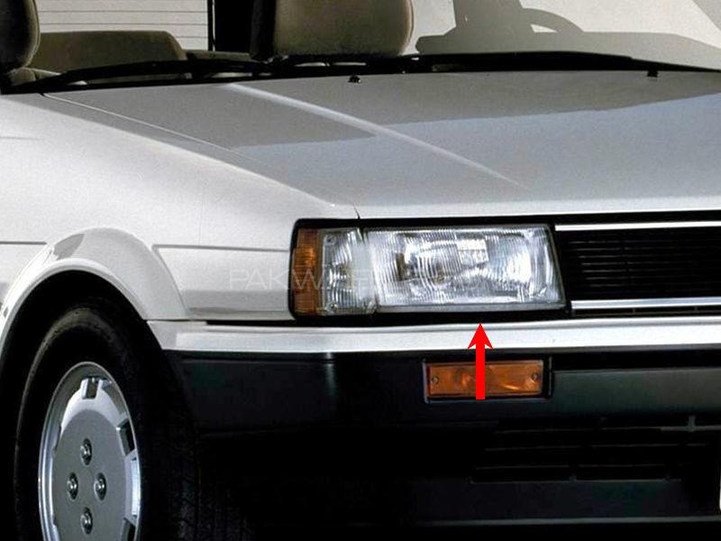 Toyota Corolla TYC Head Lamp 1986 - 1 Pc RH Image-1
