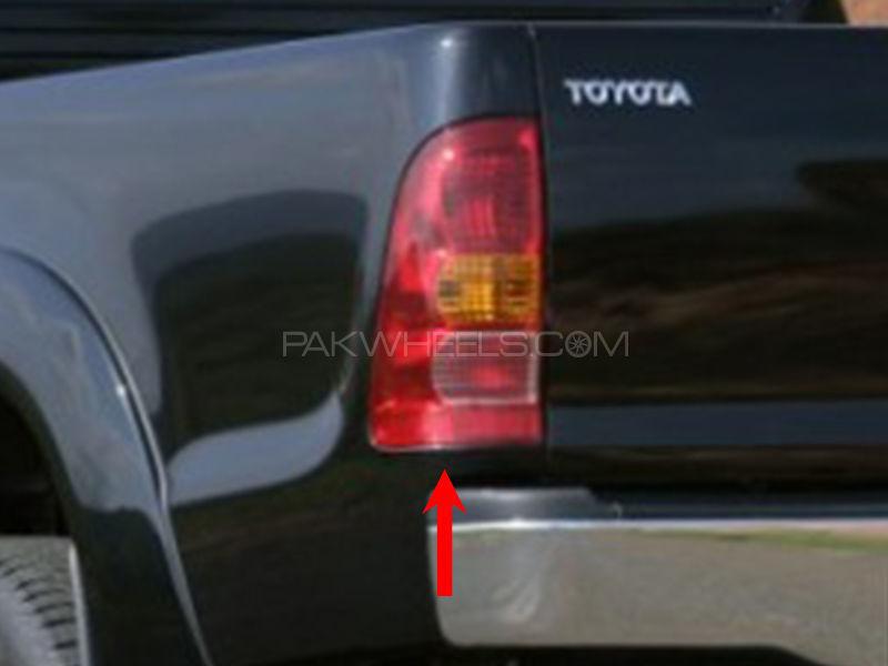 Toyota Vigo TYC Back Lamp 2004 - 1 Pc LH Image-1