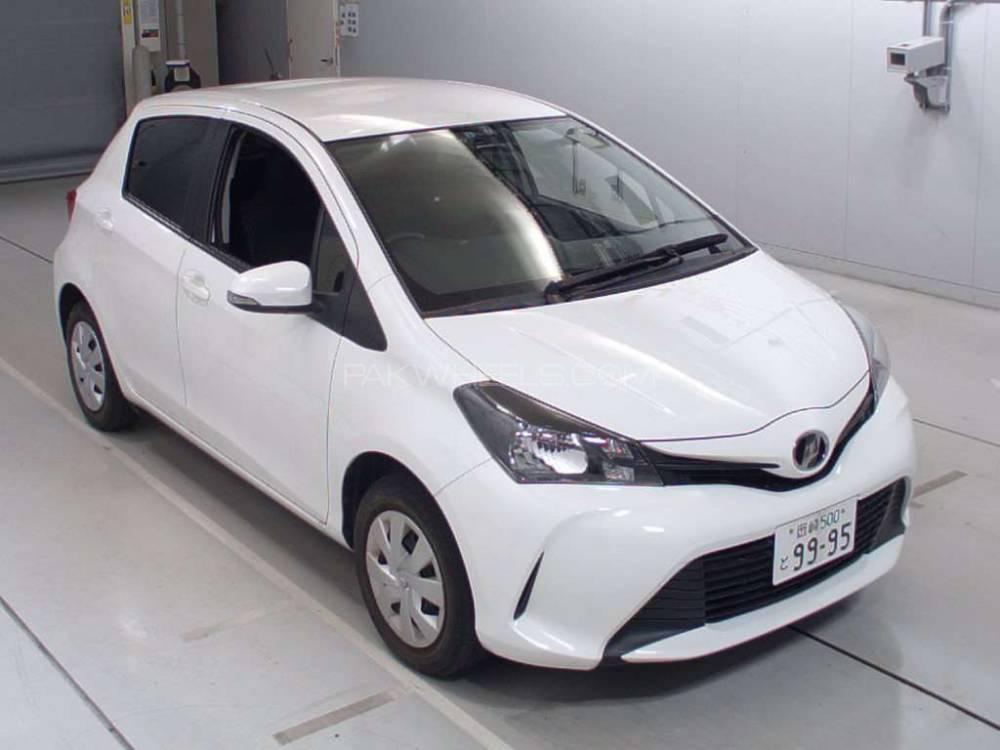 Toyota Vitz F 1.0 2014 Image-1