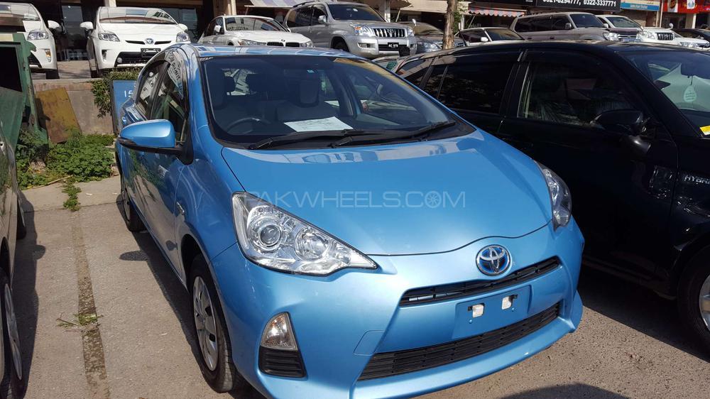 Toyota Aqua L 2014 Image-1