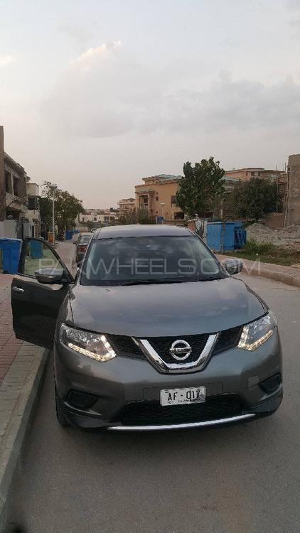 Nissan X Trail 2.0S 2014 Image-1