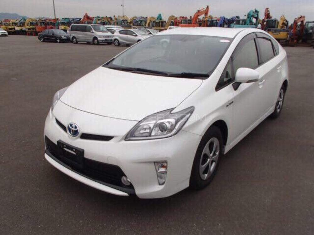 Toyota Prius G 1.8 2014 Image-1