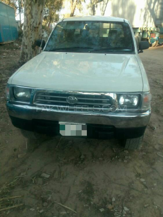 Toyota Hilux Double Cab 1999 Image-1