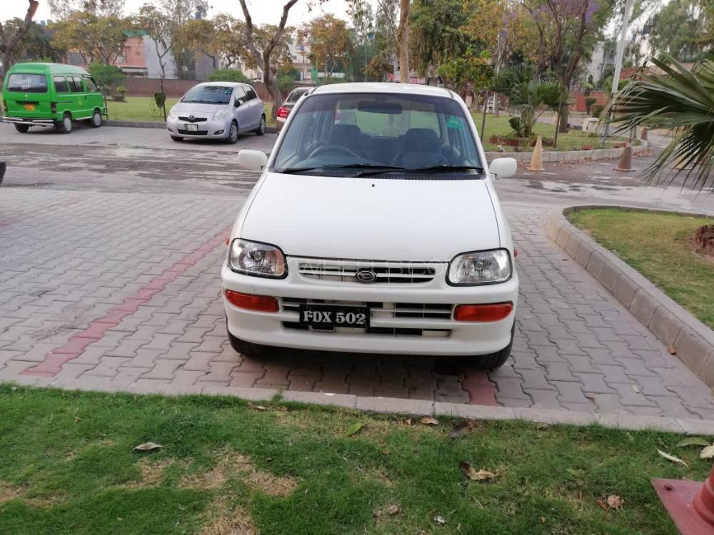 Daihatsu Cuore CX 2001 Image-1
