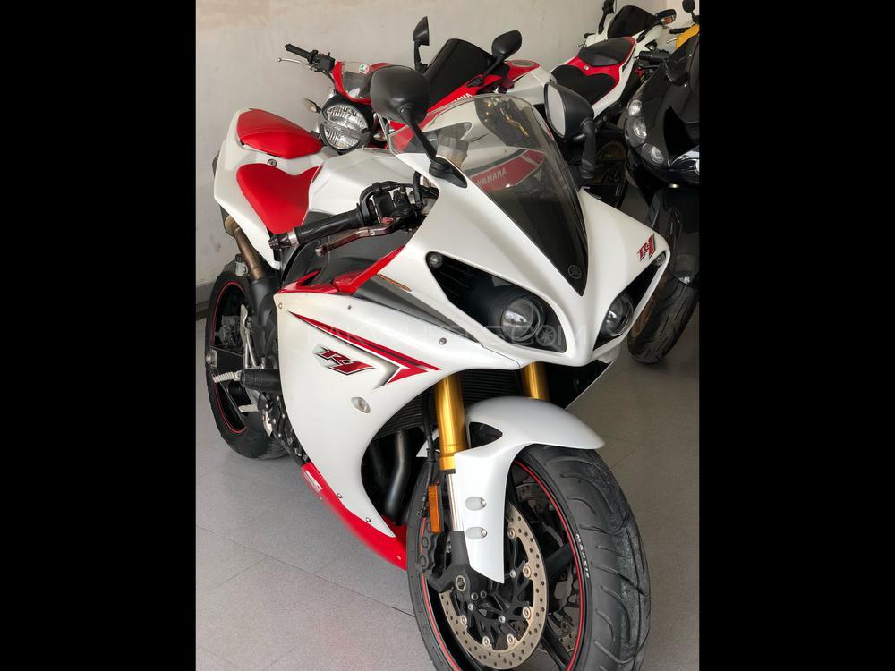 Yamaha YZF-R1 2009 Image-1