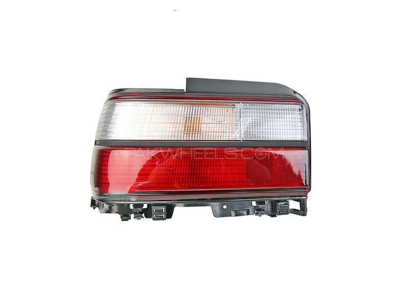 Toyota Corolla Indus Back Light LH Taiwan GS Image-1