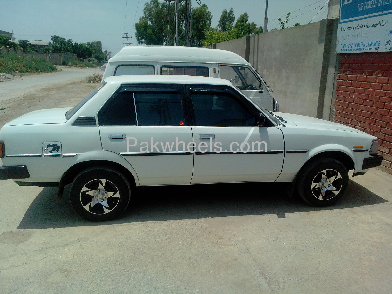 toyota corolla dx saloon 1982 for sale in islamabad pakwheels. Black Bedroom Furniture Sets. Home Design Ideas