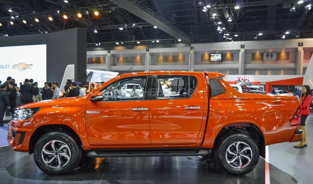 Buy Toyota Hilux Revo Trd Roll Bar With Color Model 2014