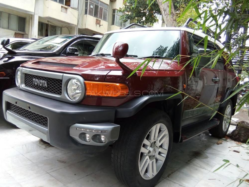 Toyota Fj Cruiser Automatic 2011 Image-1