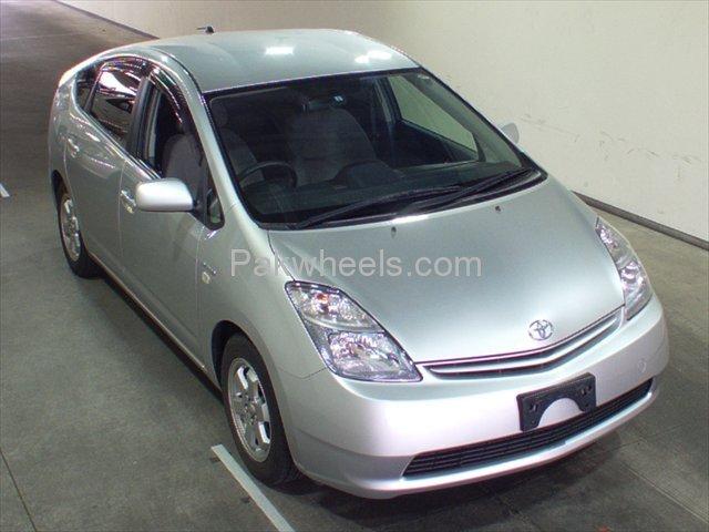Toyota Prius EX 1.5 2010 Image-1