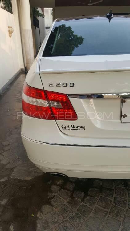 Mercedes Benz E Class E200 2012 Image-1