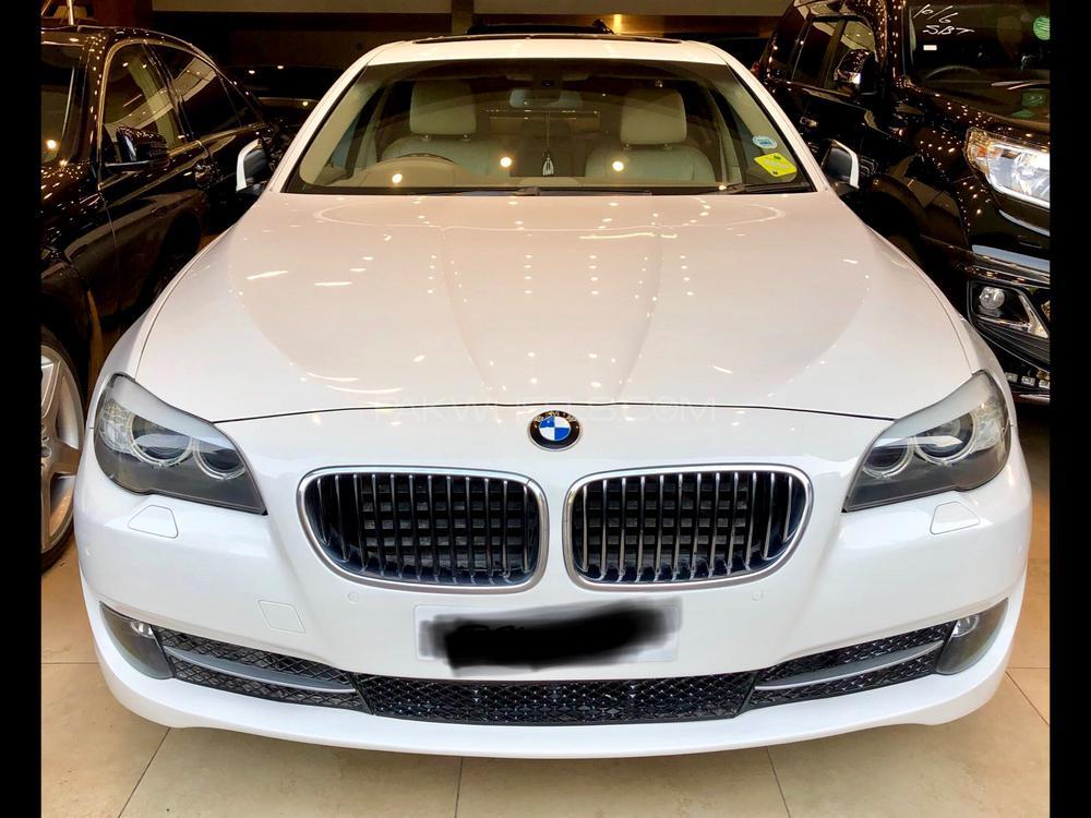 BMW 5 Series 528i 2010 Image-1