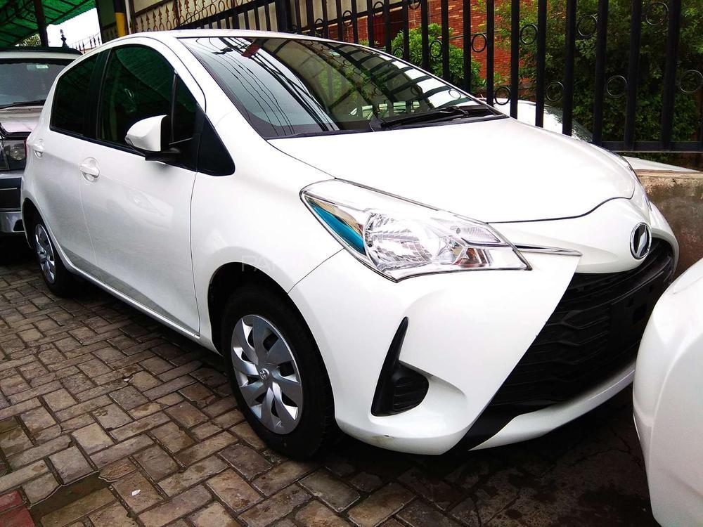Toyota Vitz 2017 Image-1