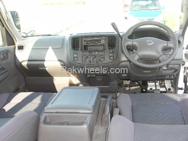 Nissan Caravan 2006 Image-8