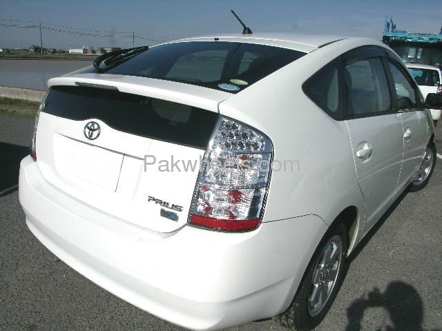 Toyota Prius EX 1.5 2010 Image-4