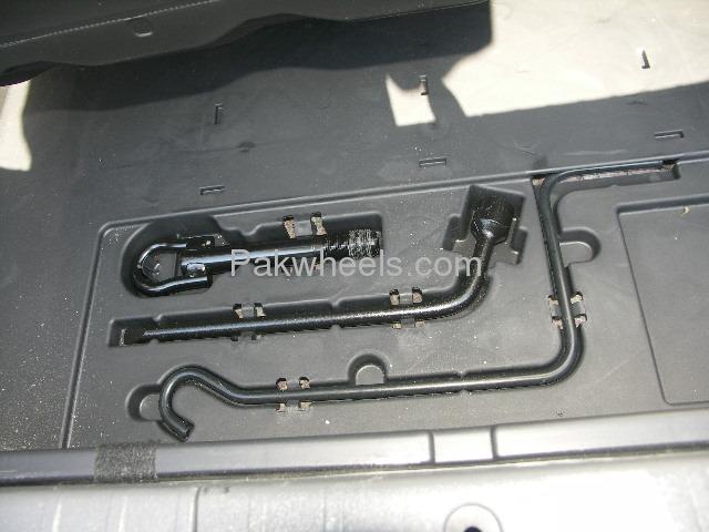 Toyota Prius EX 1.5 2010 Image-6