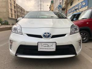 Used Toyota Prius S 1.8 2015