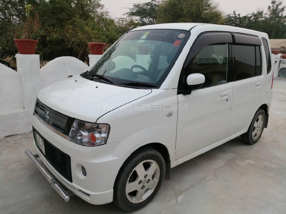 Mitsubishi Toppo 2011 Image-1