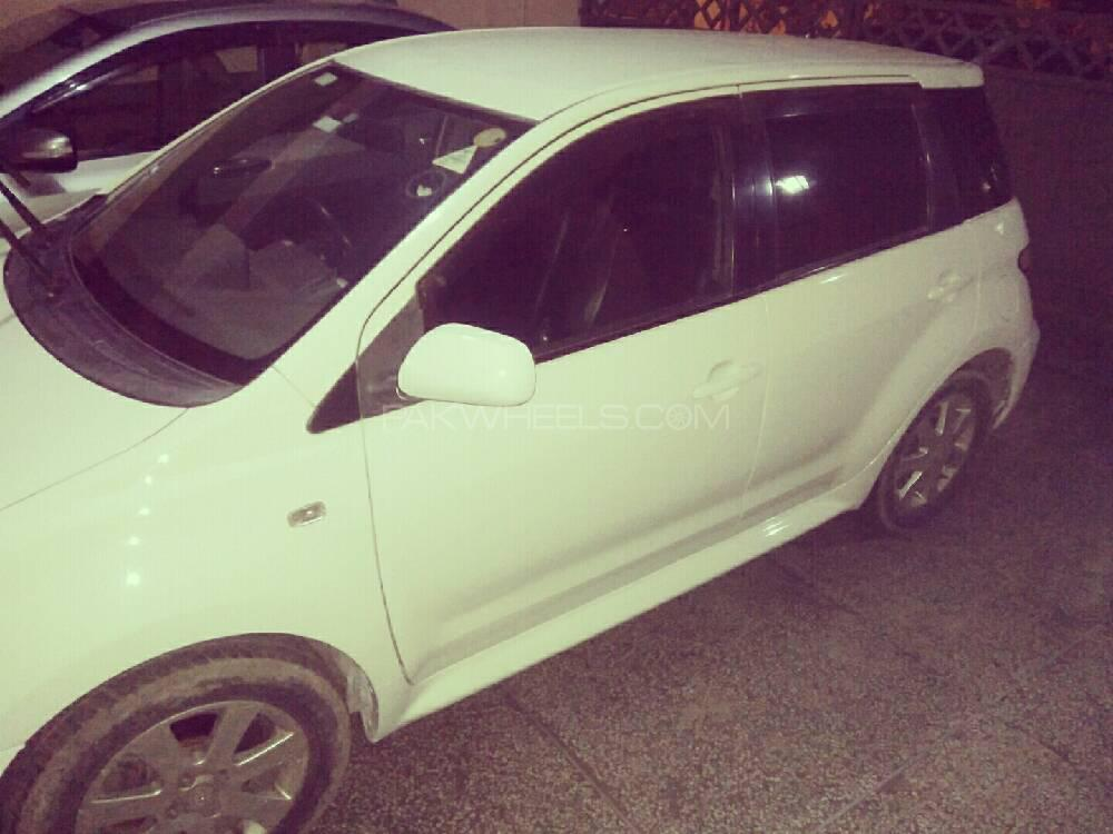 Toyota IST 1.3 A 2006 Image-1