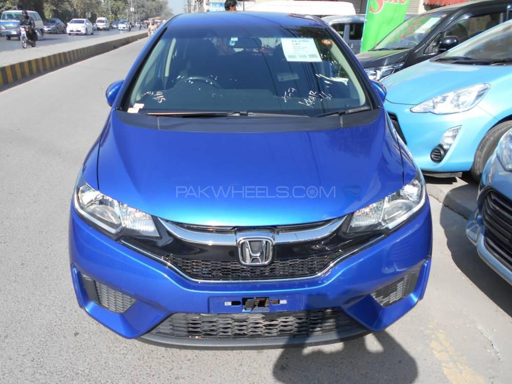 Honda Fit 1.5 Hybrid F Package 2016 Image-1