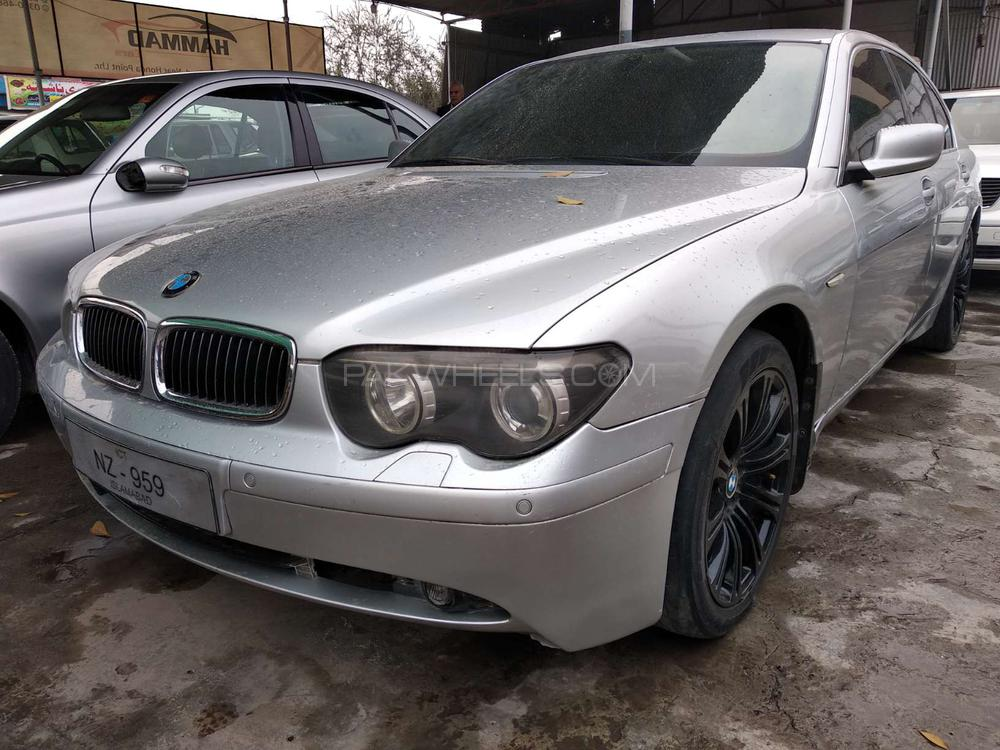 BMW 7 Series 735i 2002 Image-1