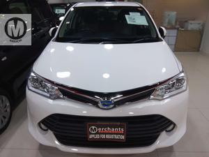 Used Toyota Corolla Axio Hybrid 1.5 2015