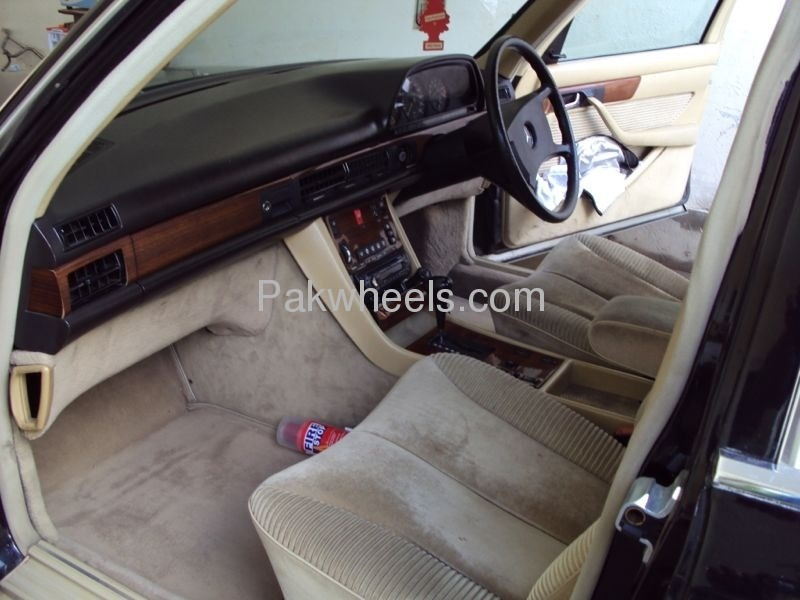 Mercedes Benz S Class 300SEL 1986 Image-5
