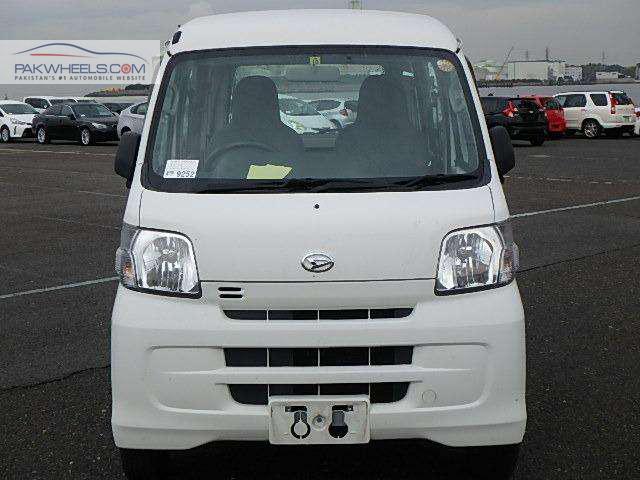 Daihatsu Hijet 2014 Image-1