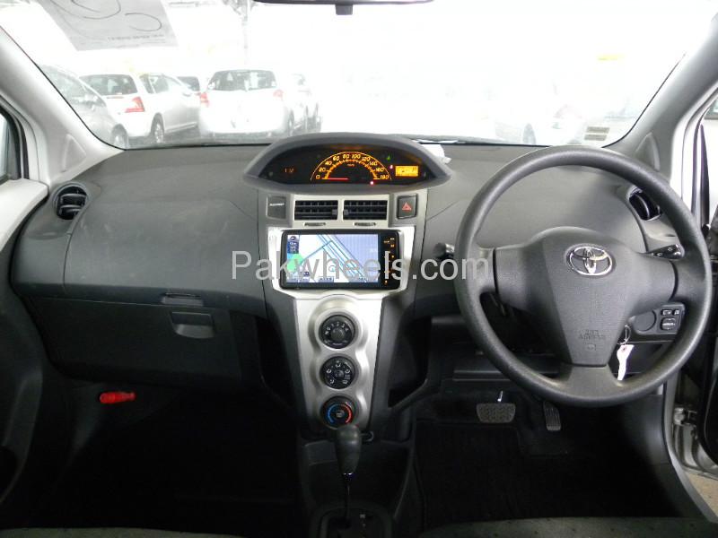 Toyota Vitz F 1.0 2010 Image-5