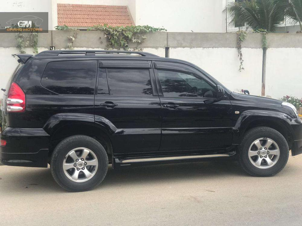 Prado 2008 model Registered 2014 1st owner Txl  Full original 1st owner 1lac km Sporty kit Leather Sunroof  7 seater Original tv  Multi steering Just like new