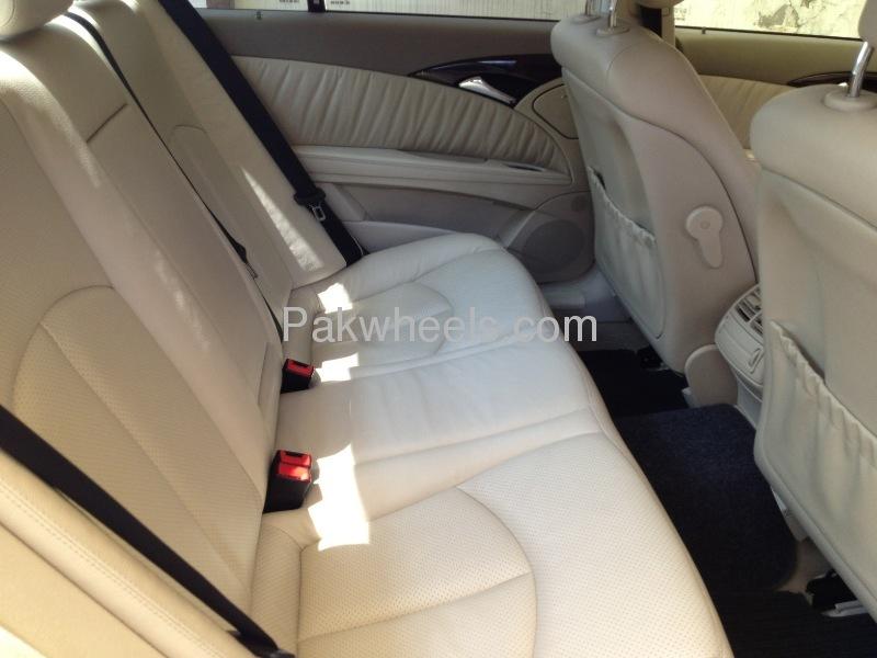 Mercedes Benz E Class E220 CDI 2004 Image-6