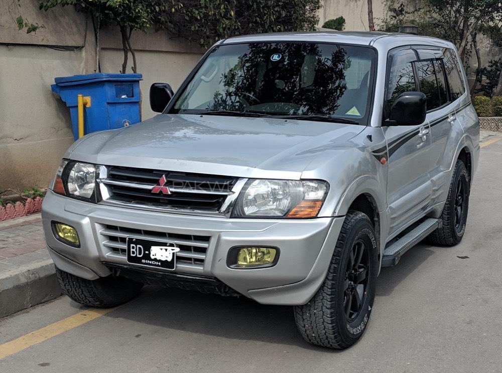 Mitsubishi Pajero 2001 Image-1