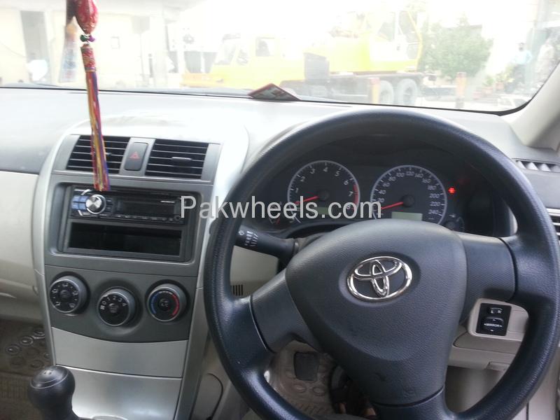Toyota Corolla GLi 1.3 VVTi Ecotec  2011 Image-5