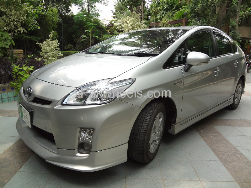 Toyota Prius S 1.8 2010 Image-3