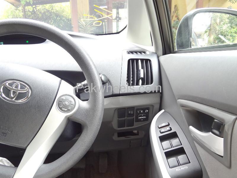 Toyota Prius S 1.8 2010 Image-5
