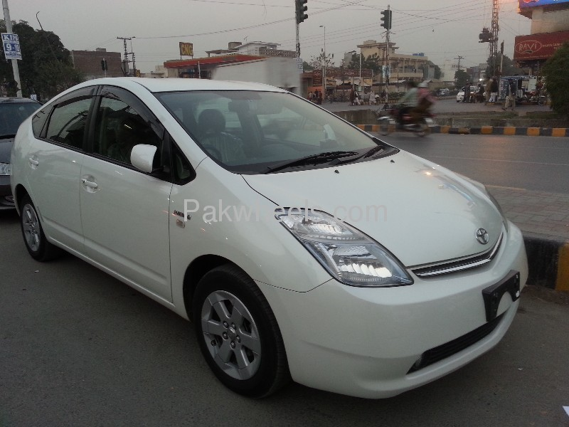 Toyota Prius G Touring Selection 1.5 2007 Image-2
