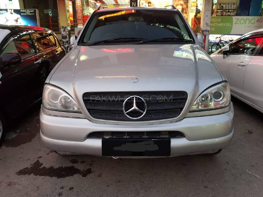 Mercedes Benz M Class ML 320 2002 Image-1