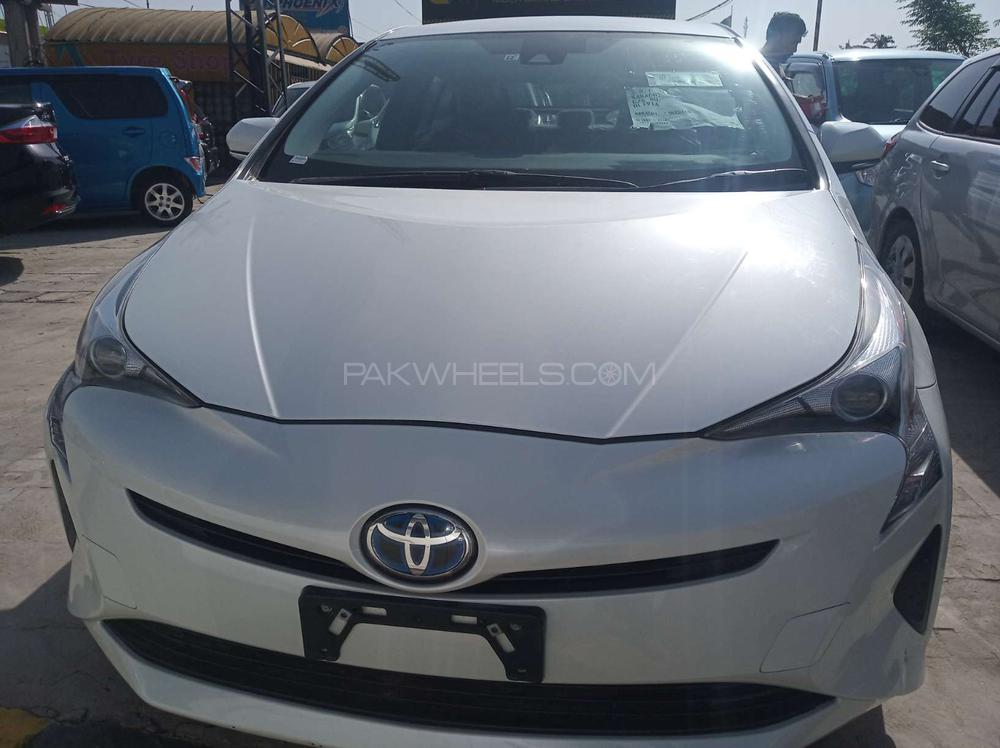 Toyota Prius S Touring Selection GS 1.8 2015 Image-1