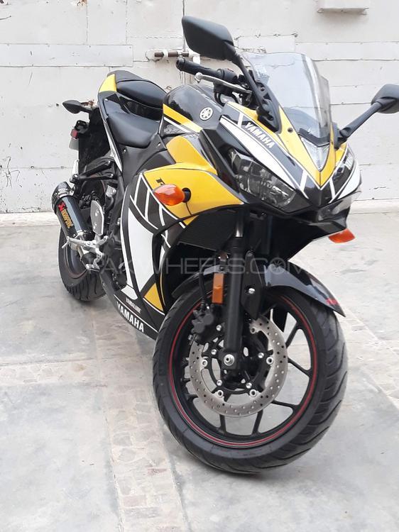 Yamaha YZF-R3 2015 Image-1